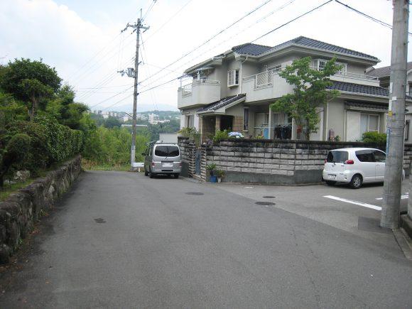 住宅地入口